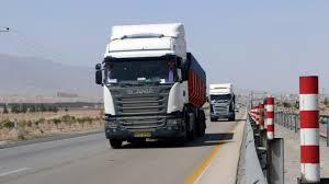 بارگیری 241 کامیون نهاده دامی به مقصد اصفهان
